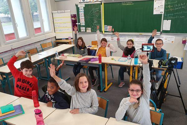 Les CM1-CM2 de l'école Saint-Brice (Mayenne) avec TV Loustics