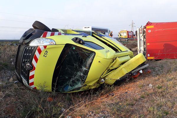 A9 Salses-le-Château - un patrouilleur qui dépannait un camion en panne a été percuté par un autre camion - 16 janvier 2020.