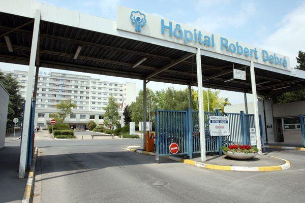 Le CHU de Reims doit accueillir deux patients en provenance de la région PACA.