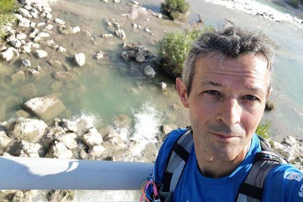 Guillaume Charbonneau prend à chaque étape de son voyage des dizaines de clichés qu'il envoie à ses abonnés sur les réseaux sociaux.