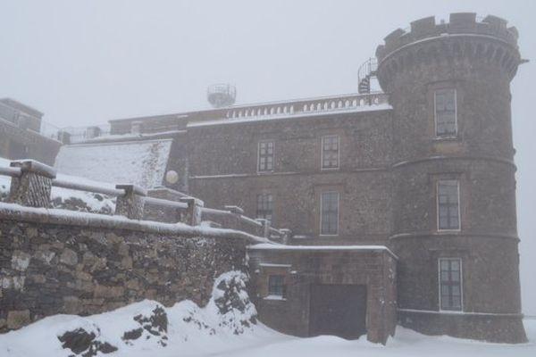 La neige ce matin à la platerforme de l'Observatoire du Mont-Aigoual