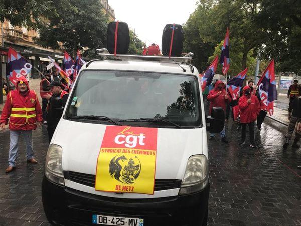 650 personnes selon la police, un millier selon les syndicats ont manifesté à Metz.