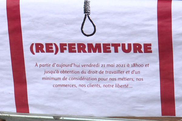 Une des affiches visibles sur les devantures des bars du centre-ville du Havre le 22 mai 2021