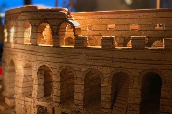 Jacques Vogel réalise la maquette du palais Gallien dans son salon