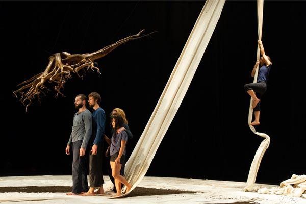 """""""Fractales"""", un spectacle écrit et mis en scène par Fanny Soriano"""