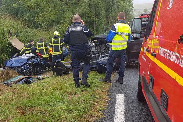 L'accident entre les 2 véhicules s'est déclaré à 13h15 sur la route D504 à Thizy-les-Bourgs (Rhône)