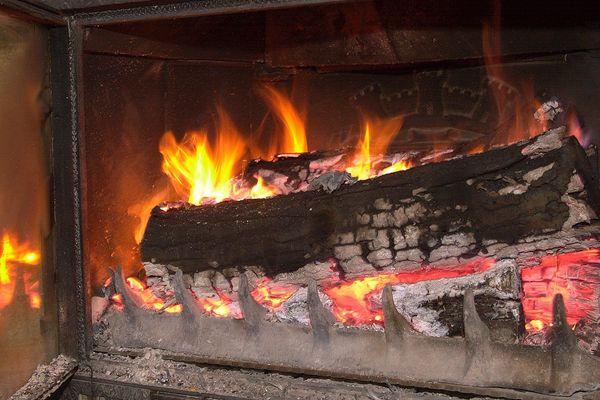 Le ramonage des cheminées, indispensable pour éviter départs de feu ou émanations de CO