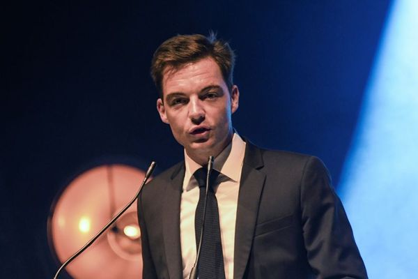 Stéphane Sieczkowski-Samier a été révoqué par le Conseil des ministres le 21 août, en tant que maire d'Hesdin, à cause de ses déboires judiciaires.