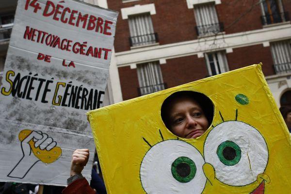 La marche pour le climat à Paris est partie de la place de la Nation ce samedi 8 décembre, jusqu'à la place de la République, dans une ambiance bon enfant.