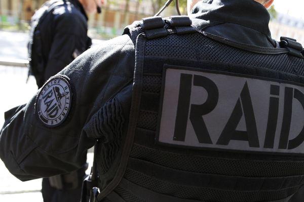 Une unité du RAID de Lyon, est intervenue à Valence dans la Drôme, vendredi 16 mai 2020, pour des menaces avec arme lors d'un conflit de voisinage.