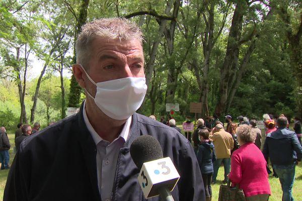 """Jean-Louis Grapin, directeur du syndicat mixte du bassin versant du Lez """" il faut interdire une pratique qui consiste à laisser entrer un bulldozer qui vient tout enlever""""."""