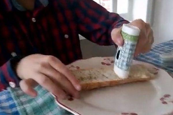 Le butter stick ressemble à un déodorant !