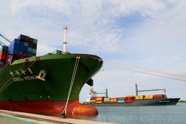 En 2015, pour la première fois, le porte conteneurs chinois, le CSCL VENUS , a fait escale à Fos-sur-Mer.