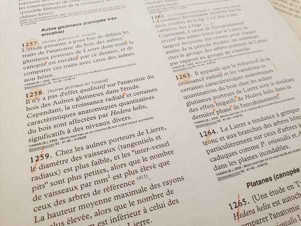 Pour écrire ses textes, Pierre Déom s'appuie sur de nombreuses études scientifiques, qui sont minutieusement triées, et indexées par thème