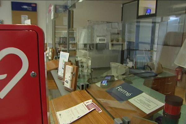 Neuf des 10 guichets de vente de billets ont fermé en gare de Saint-Pierre-des-Corps