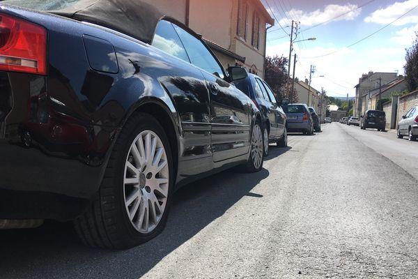 Les pneus de 80 voitures ont été crevés dans la nuit de jeudi à vendredi dans le quartier de la Verrerie à Reims
