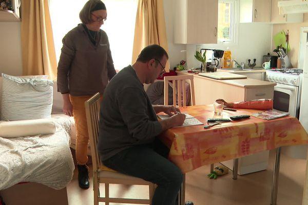 Francis et Véronique sont confinés dans un mobil-home en Vendée