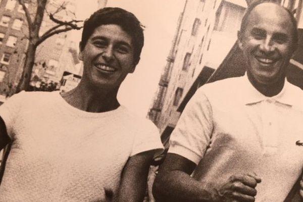André Courrèges et son épouse Coqueline, le tandem de la mode futuriste des années 60 aux années 90.