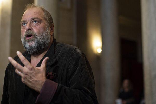 Me Eric Dupond-Moretti face aux journalistes en septembre 2019, dans l'affaire opposant le couple Le Guennec à la famille Picasso.