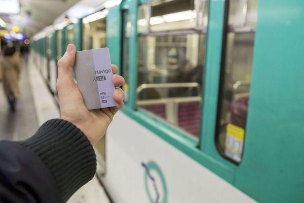 Le ticket de métro devrait être dématérialisé à partir de l'été 2020 (illustration).