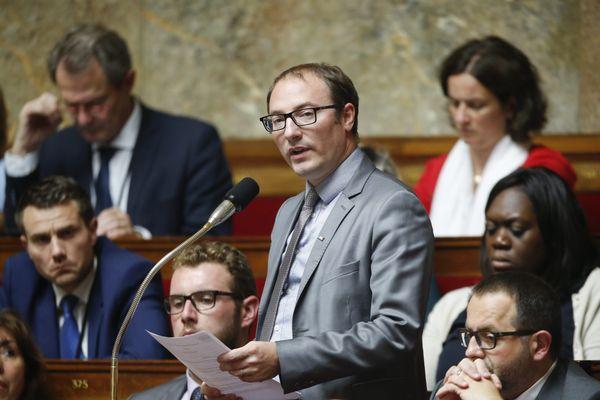 Le député LREM de la 5ème circonscription Denis Masséglia change d'univers ce soir, passant de l'hémicycle de l'Assemblée nationale à l'arène de bataille de League of Legends.
