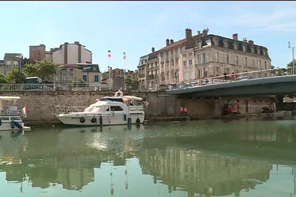 Au port de Verdun (Meuse) les plaisanciers sont bloqués.