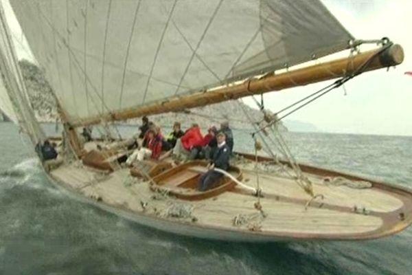 Des voiliers, tous chargés d'histoire