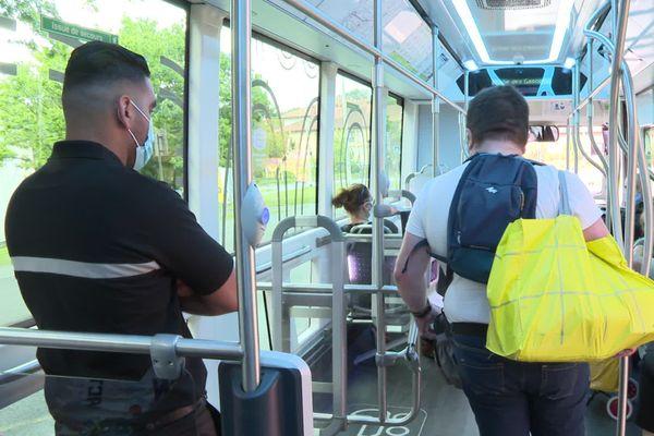 Un agent de sécurité veille du matin au soir dans chaque Tram'bus de l'agglomération de Bayonne