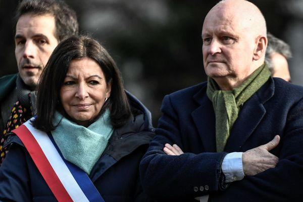 Anne Hidalgo aux côtés de Christophe Girard, le 23 janvier 2020 à l'occasion d'une cérémonie dévoilant une statue en hommage à René Goscinny (illustration).