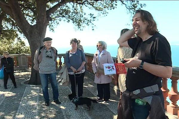 La visite de la colline du château en niçois