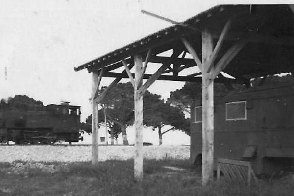 En 1946, la Base d'Antibes est supprimée. Tout son personnel est muté au petit aéroport de Nice Californie. L'ex-équipe radio de la base antiboise s'installe dans un wagon provenant des stocks de L'U.S Air Force, en bordure de l'aérodrome de Nice.