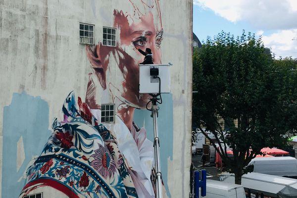 Une femme bretonne imaginée par Hopare, artiste graffeur de Paris