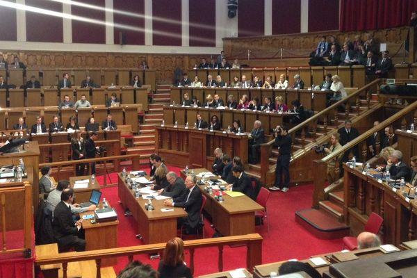 Le conseil se tient ce lundi au CUM et non en mairie centrale de Nice.