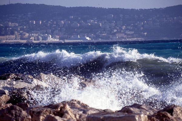 Un fort vent est attendu sur le littoral dès ce jeudi, avec une mer agitée.