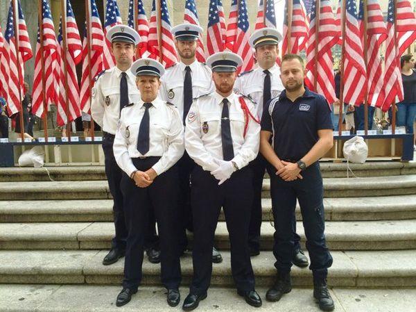 La delegation policiers 911-17 durant les cérémonies policier au Battery Parc