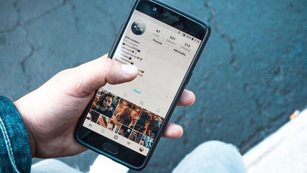 Le téléphone portable est le premier écran de visionnage d'images pornographiques
