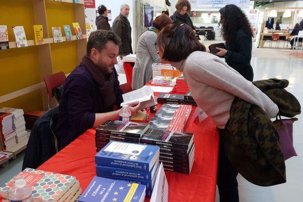 Une trentaine d'auteurs présents au Salon du livre du journalisme de Tours.