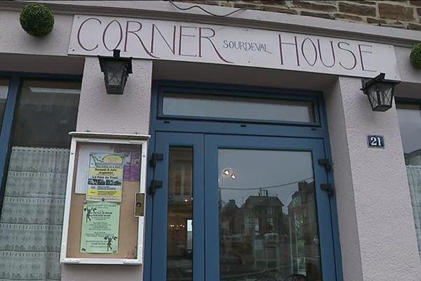 Le corner house a ouvert ses portes en 2017. L'ancien hôtel-restaurant fermé depuis des années a été repris par Linda, une Anglaise que la perspective du Brexit n'a surtout pas dissuadée.