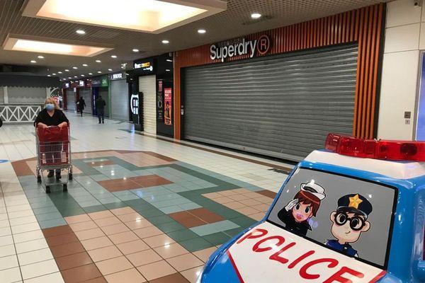 A Aubière, près de Clermont-Ferrand, après les annonces de Jean Castex, des commerçants ont dû fermer leur boutique située dans la galerie marchande.