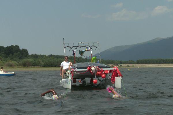 Le trio à l'entraînement, fin juillet au lac de Matemale (Pyrénées-Orientales).