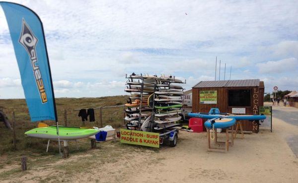 Stand de location de planches de surf - plage du Vertbois