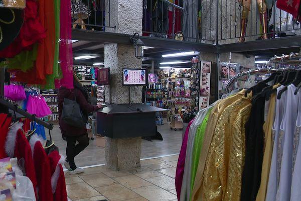 A Lyon, pas de ruée sur les déguisements du Nouvel An
