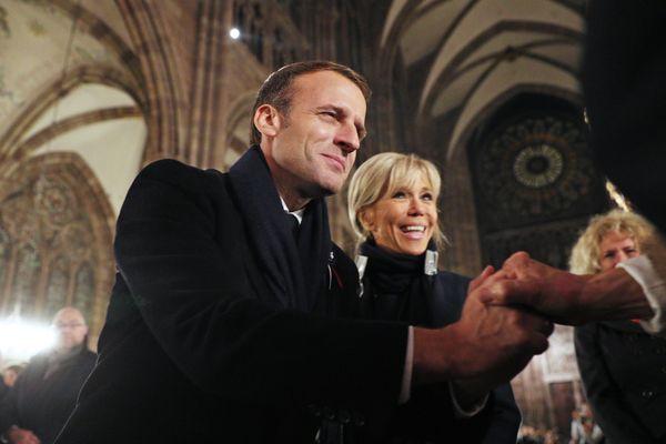 Emmanuel et Brigitte Macron en la cathédrale de Strasbourg pour le centenaire de la fin de la première guerre mondiale le 4 novembre 2018