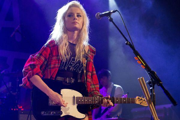Nina Nesbitt en concert à Manchester en octobre 2013.