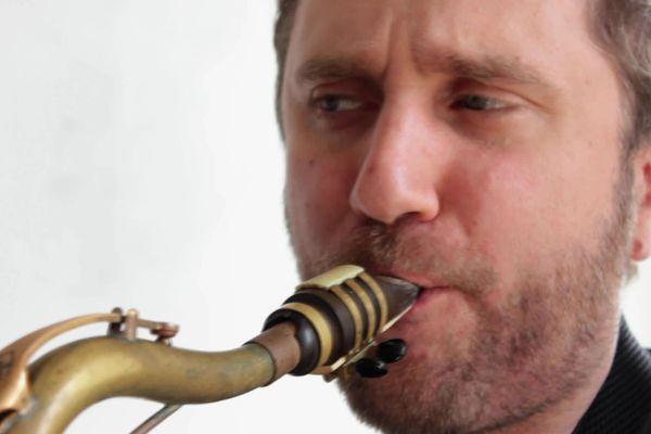 Le musicien de jazz Jon Boutellier bloqué à New York pour cause de crise Coronavirus