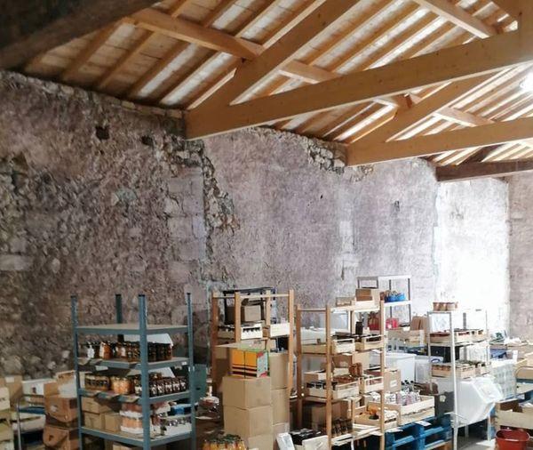 La société a déménagé à Bouliac, dans un entrepôt de 200 m en pierre naturelle.