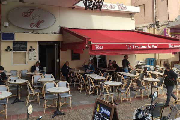 En Corse, comme ailleurs, les bars et restaurants ont rouvert ce mardi 2 juin, date de l'entrée en vigueur de la phase 2 du déconfinement.