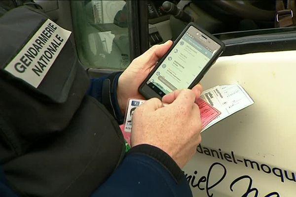 Géolocalisable et sécurisé, ce smartphone permet de contrôler l'identité du conducteur et du véhicule en temps réel