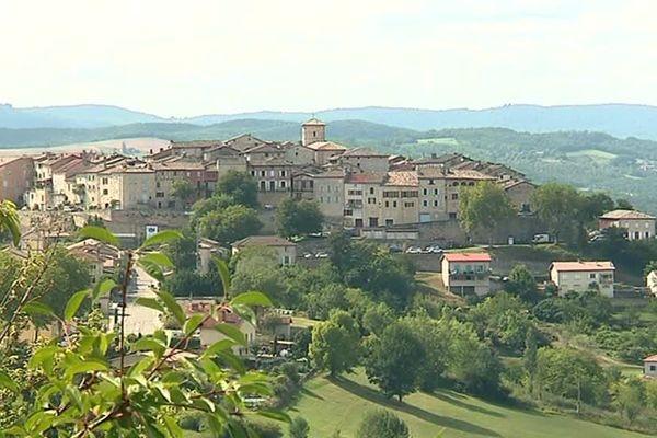 Castelnau-de-Montmiral est l'un des plus beaux villages de France.