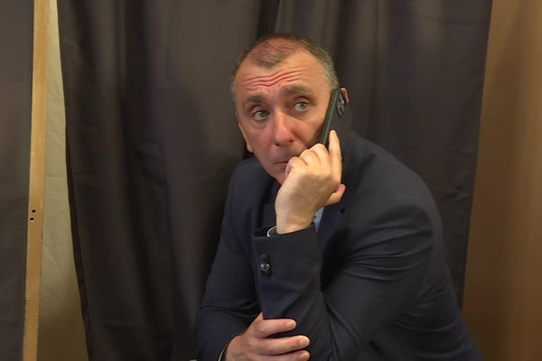 Jean-Christophe Angelini va devoir comprendre pourquoi le report de votes attendu ne s'est pas fait.